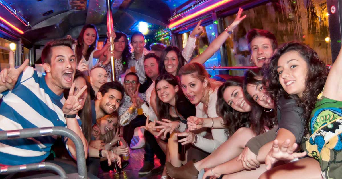 Reasons Why So Many People Go For Party Buses
